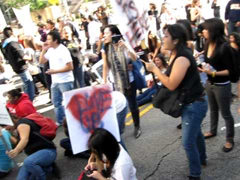 UCLA Protest Tuition/Fee Increases Wilshire and Westwood Intersection Takeover