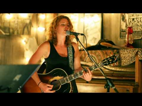 Kathleen Edwards w the Good Lovelies - Sister Golden Hair (the Dakota Tavern, Toronto - Aug 3/10)