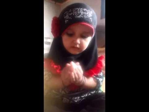 cute baby praying dua