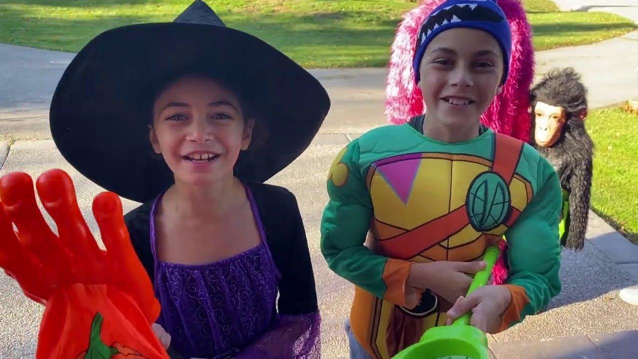 Download Heidi y Zidane juegan a Halloween.Recorrido de Dulce o Truco