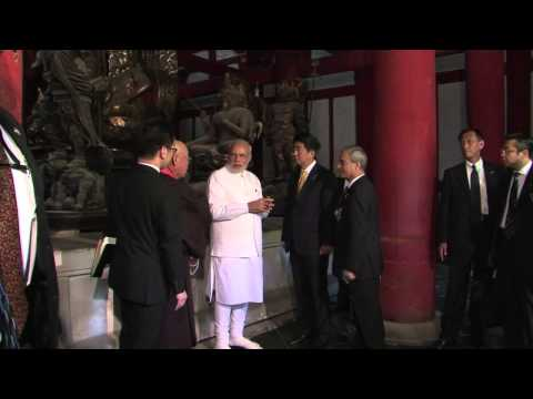 HOT!! Indian PM Modi tours Kyoto historic sites on first foreign trip   /New York Times