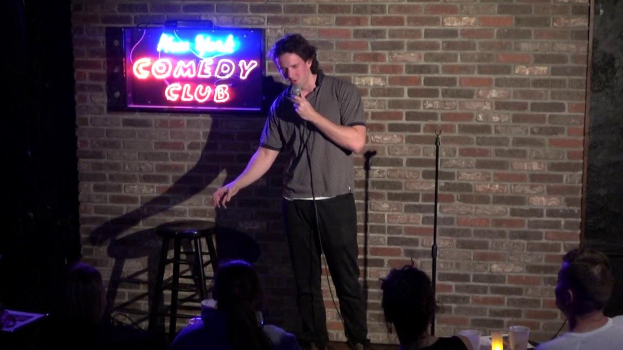 Comedian Eli Lloyd does Comedy at New York Comedy Club