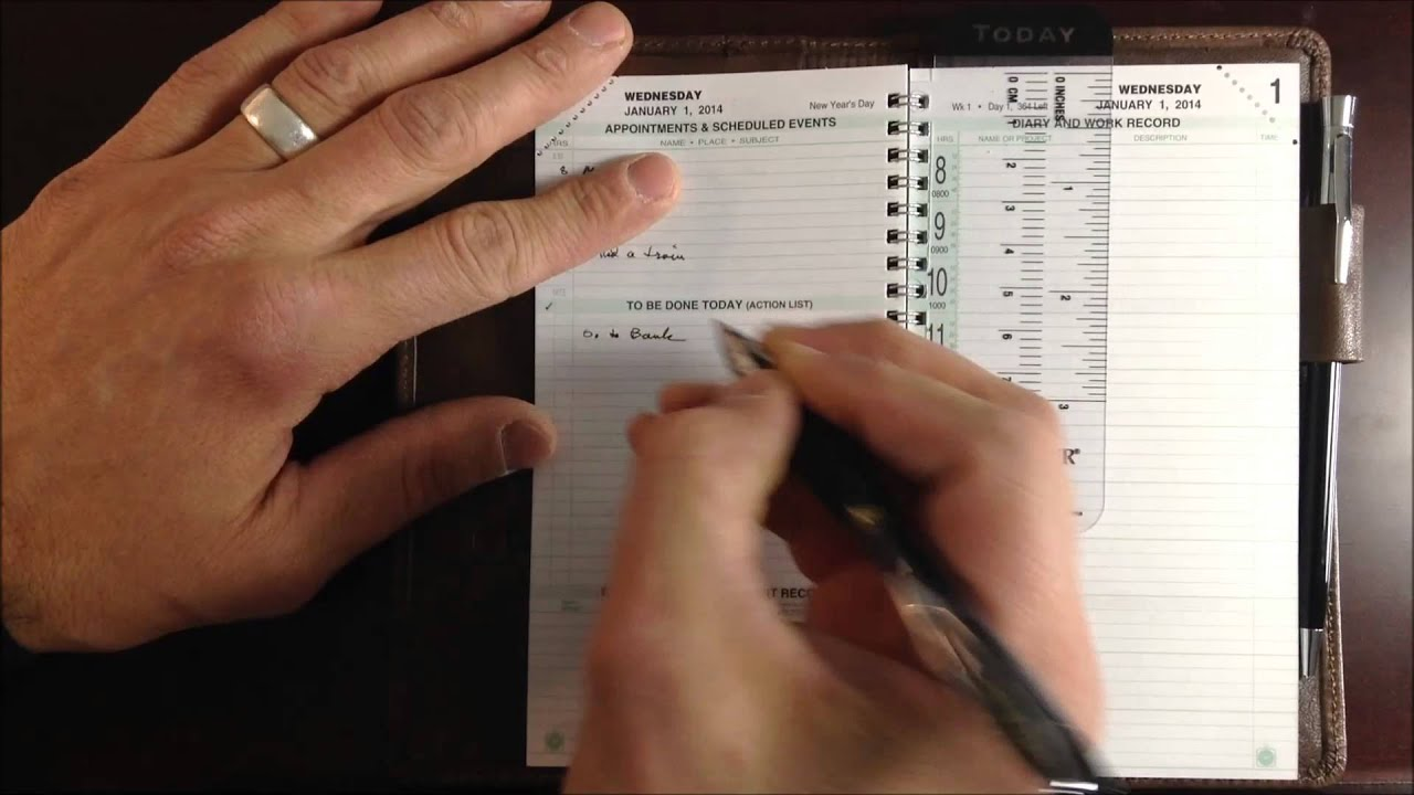 Closer Look: 2-Page-Per-Day Planner Refill - YouTube