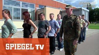 """Rekruten bei der Bundeswehr: """"Die Augeeeeen links!""""  (Teil 1)"""