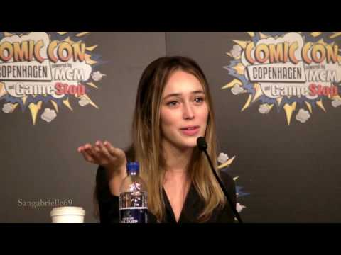 Alycia Debnam Carey - Panel Q & A Day 1 - Comic Con Copenhagen
