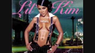 Watch Lil Kim Hold It Now video
