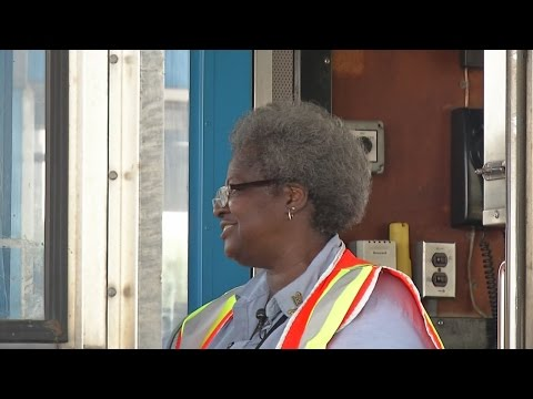 Grand Island toll worker leaves an impression on drivers