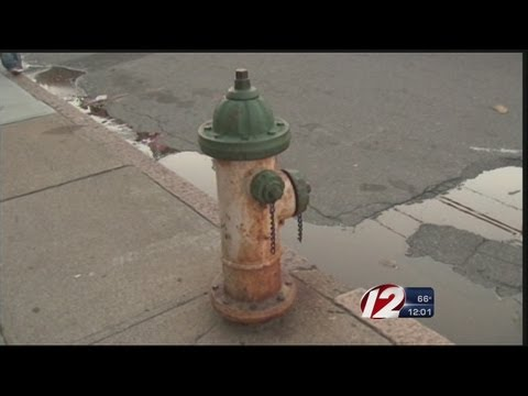 Faulty hydrants make firefight tough