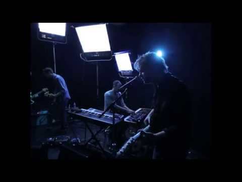 "Aero Flynn - ""Dk/Pi"" Live"