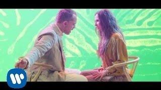 Miguel Bosé & Malú - Linda (videoclip oficial)