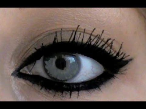 tuto makeup r ussir son trait d 39 eye liner youtube. Black Bedroom Furniture Sets. Home Design Ideas
