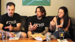Domino's Spicy Jalapeno Pineapple Specialty Chicken - The Two Minute Reviews - Ep. 266 #tmr