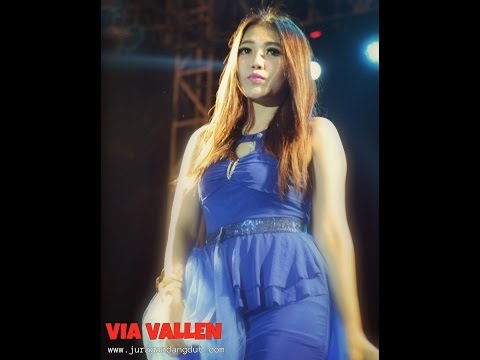 VIA VALLEN - PACOBANING URIP DANGDUT HOT TERBARU