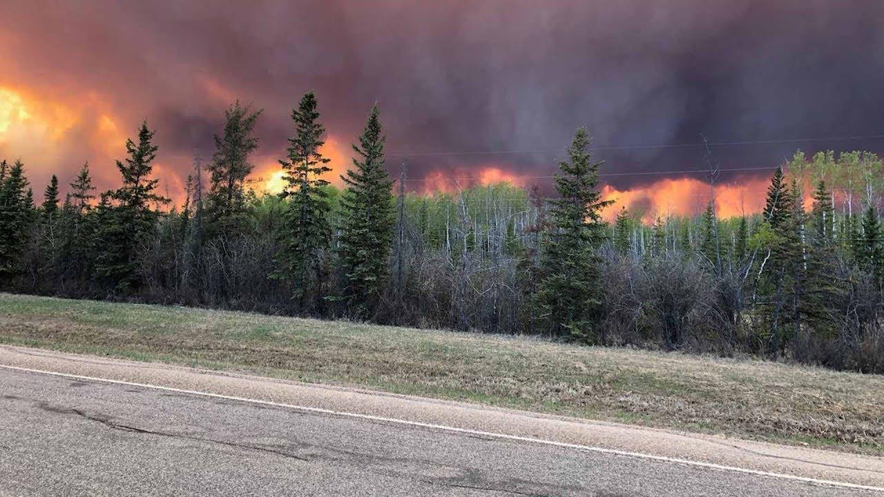 Alberta wildfires near High Level prompts evacuations