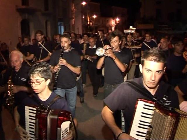 Gambatesa 14 agosto 2009: maitunat in piazza - 1^ parte