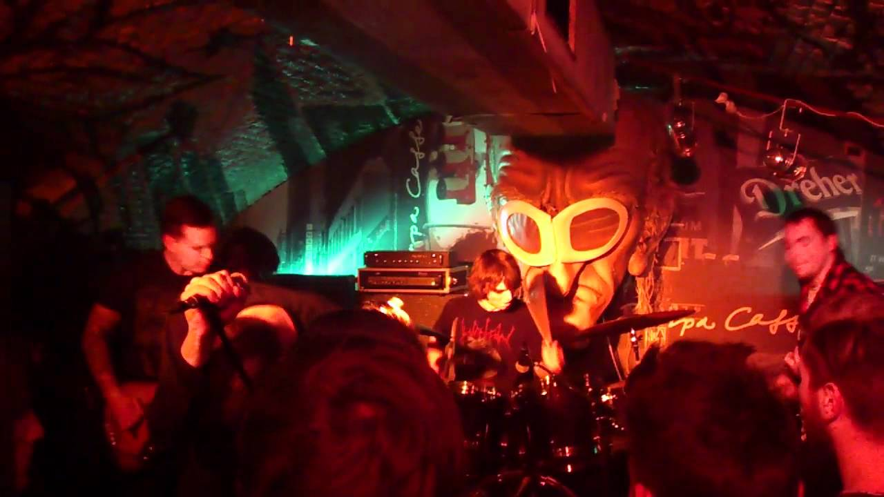 Download Deafheaven - Unrequited (Live at Trafik Klub, Budapest, Hungary, 2012.02.11)