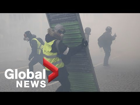 'Yellow Vest' protests turn violent in Paris in 18th week