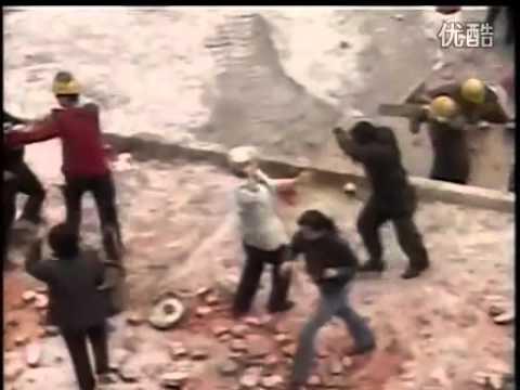 Anti demolish uprising cracked down in Zunyi, China (part 1)