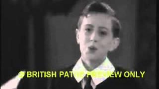 Graham Payn boy soprano singing I hear you calling me Original Pathe News clip  _WMV V9wmv