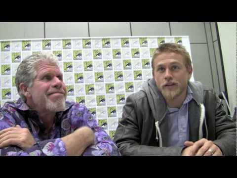 "SDCC '11 Ron Perlman & Charlie Hunnam ""Sons of Anarchy"" interview"