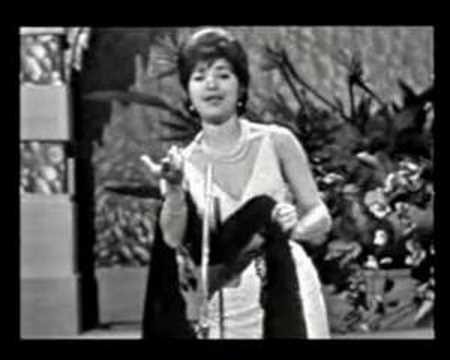 Conchita Bautista - Canción De Una Pena / Supersticioso / ¡El Pim Pam... Fuego! / Menor De Edad