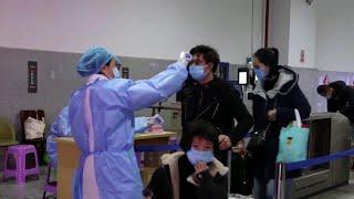 Власти Китая открыли Ухань - город, откуда началась эпидемия коронавируса.