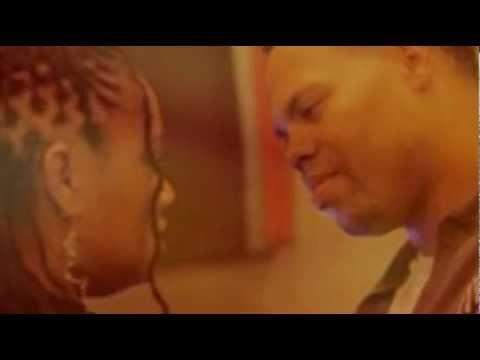 Eric Roberson & Lalah Hathaway - Dealing