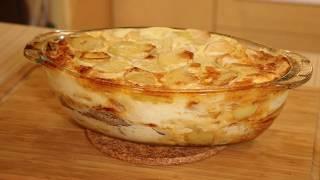 Калаладика. Карельская запеканка из картофеля, сельди и свинины с яйцами и молоком.