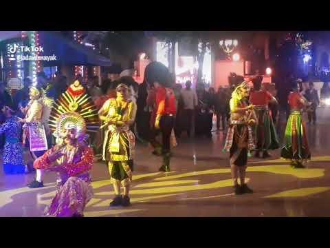 Dubai  Bollywood park Dance