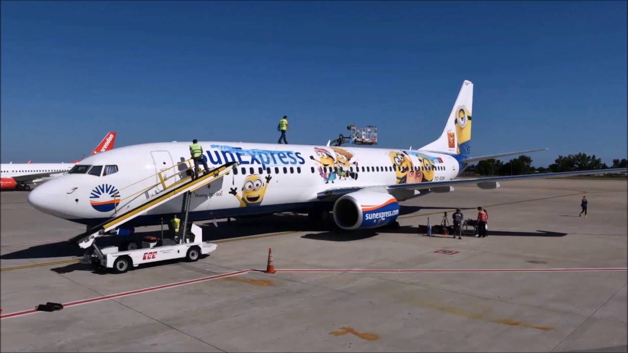 making off minions aircraft branding of sunexpress boeing 737 800 tc soh with minions decals - Sunexpress Bewerbung