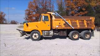 2000 Volvo WG dump truck for sale | sold at auction December 17, 2014