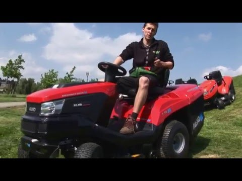 Test zahradních traktorů na svahu