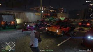 Grand Theft Auto V_Paseando por la exibicion de carros