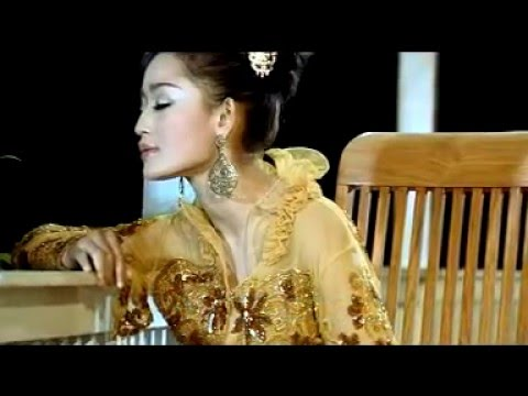 Dian Kusuma - Ilat Tanpo Balung (Official Lyric Video)