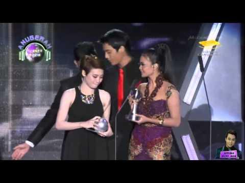 Aliff Aziz & Adira [Anugerah Planet Muzik 2013]