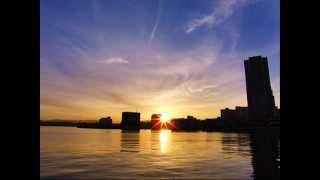ハイロウズの月光陽光です。とってもいい歌です。 画像は適当に拾った空...