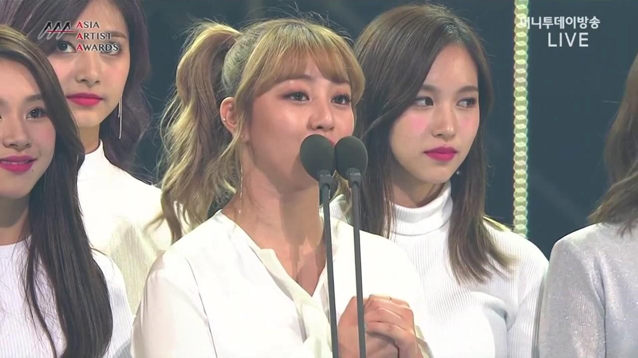 Download 161116 AAA TWICE (트와이스)  BTS(방탄소년단) 베스트 아티스트상 수상