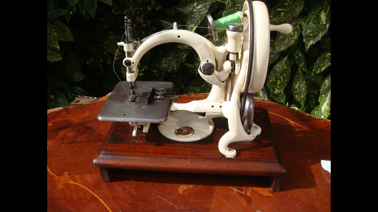 Sewing machines wilcox and gibbs Willcox and