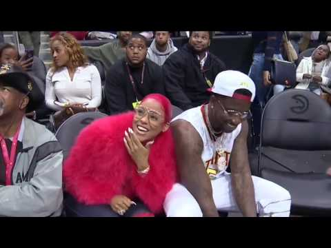 GUCCI MANE PURPOSES ON KISS CAM!!!!