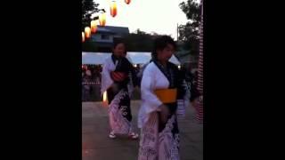 2012年夏。上志津原町会の盆踊り。 櫓の上で、数回しか練習していないオ...