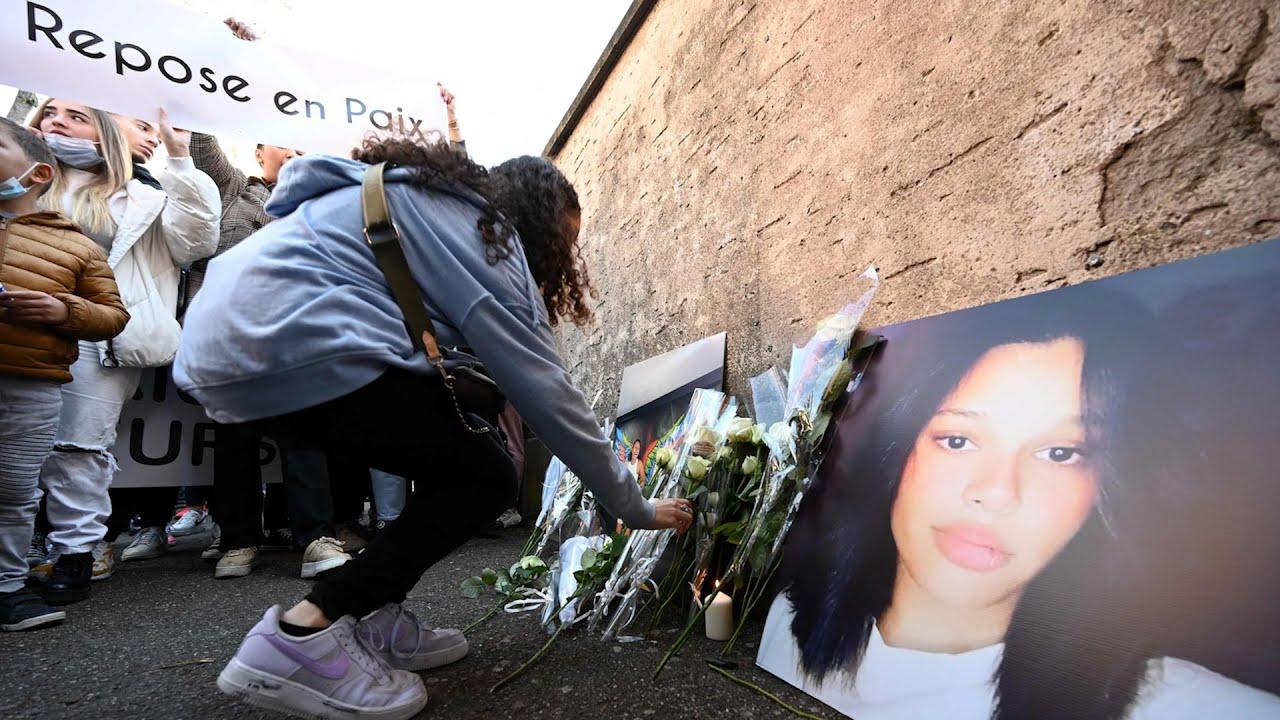 Download Harcèlement scolaire: une marche blanche en mémoire de Dinah