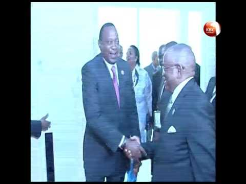 Uhuru meets Angola's Dos Santos to drum up trade