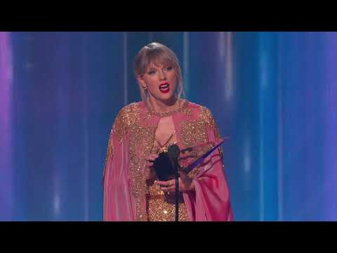 A.J. - Taylor Swift Makes History At The American Music Awards In Los Angeles!