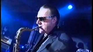 DR FEELGOOD : GRAND WAZOO Kings of Soul, vocals Angie B; sax Wilbur Wilde  (Live)