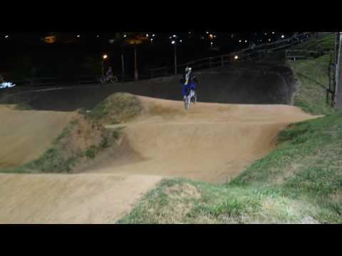 Lycans Bmx Entrenamiento Nocturno Greyman 23 de sep de 2016