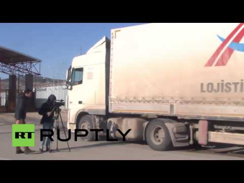 Turkey: Aid trucks head to Syria as Oncupinar border remains shut for refugees