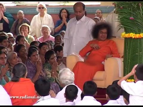 Thursday Divine Darshan of Sathya Sai Baba - Part 114