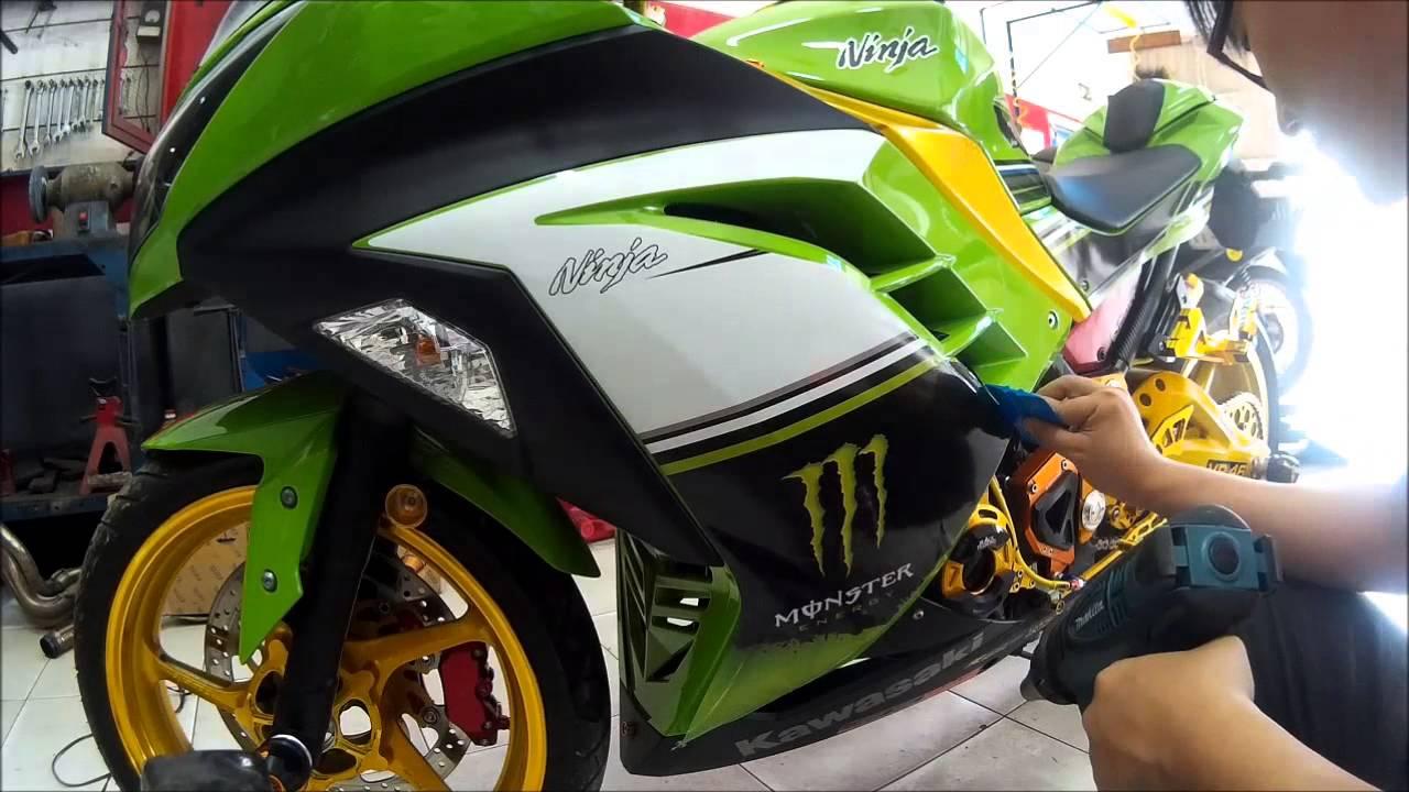 Remove Kawasaki Decals