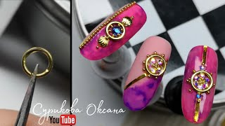 Акварельные дизайны ногтей с каплями Ювелирный маникюр со стразами золотыми лентами на гель лаке