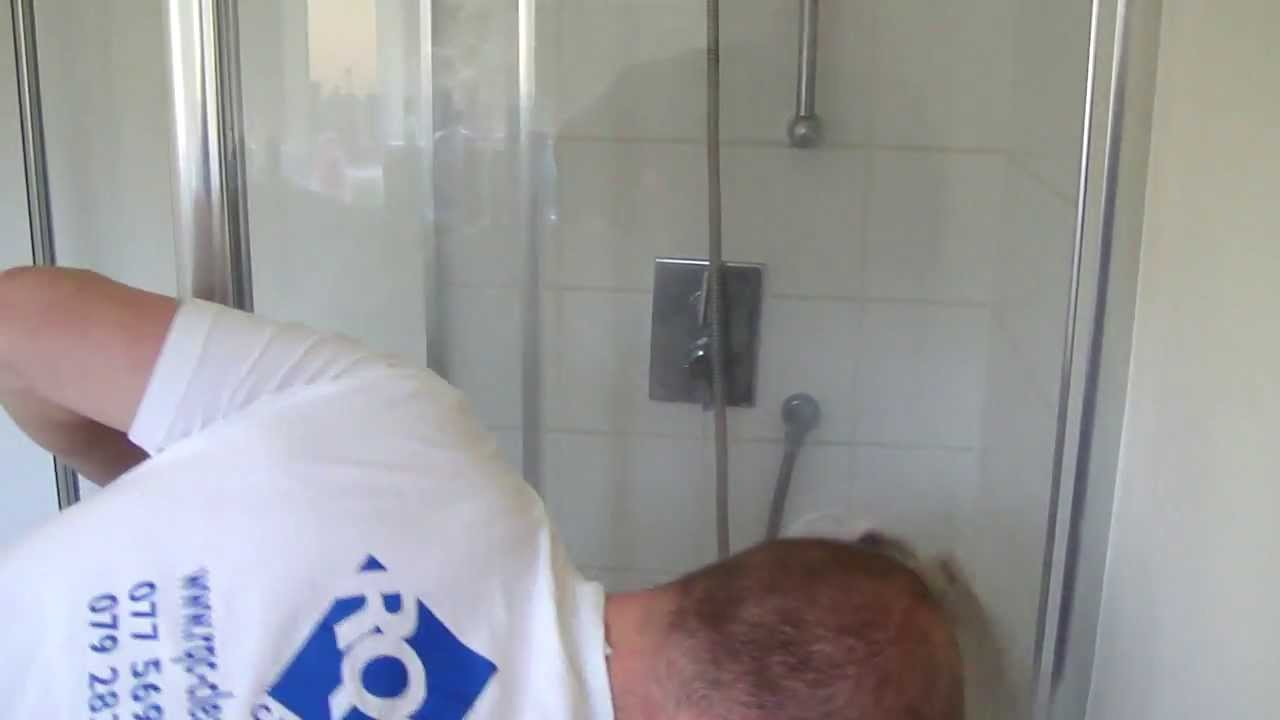 How to steam clean bathroom - Professional Steam Cleaning Showerscreen